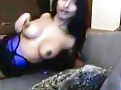 Indian babe girl shows big tits on cam