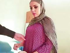 Arabian whore Zoe sucks a cock for some cash POV