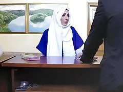 Shaved pussy of Arab chick pounded in hotel room